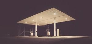 gas-station-692045_640